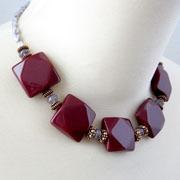 GalleriaLinda Handmade Beaded Necklace
