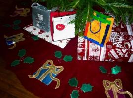 Felt Christmas decorations - tree skirt