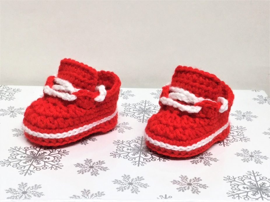53ff4ebadc9c3 Crochet Baby Girl Shoes Newborn Sneakers Red White Booties