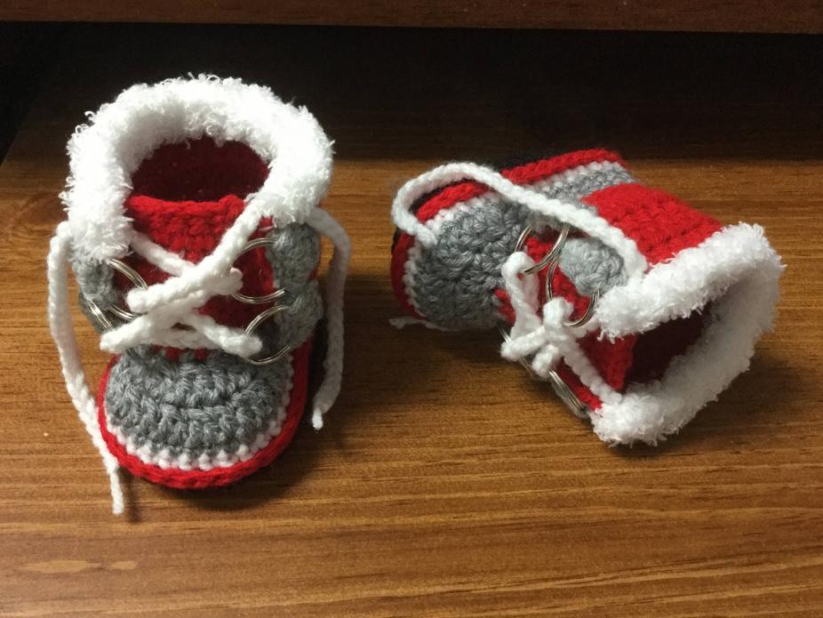 7436b26bd840b Crochet Boots ~ Winter Baby Boots ~ Fur Trim Sorel Pac Style Crochet Boy  Booties