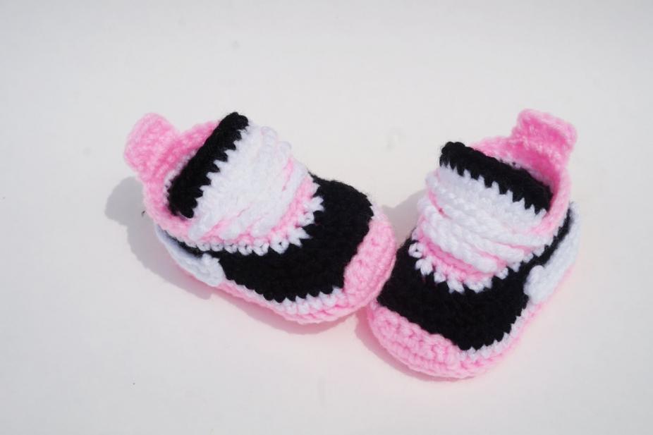 53f331899f983 Crochet Pattern Baby Nike Shoes Sneakers Booties