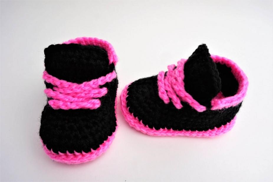 11b02c27fbf6d Nike Shoes Crochet Pattern Baby Sneakers