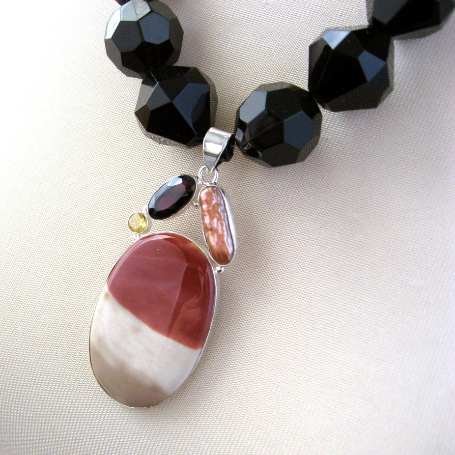32cb0a45a71b Chunky Faceted Vintage Black Beads and Mookite Pendant