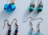 4 pairs of earrings- blue mix (A)