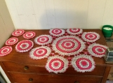 Crochet table set red