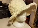 White crochet brimmed hat