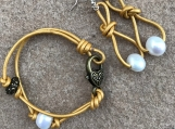 Genuine Baroque Pearl With Yellow leather bracelet