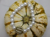 Faux Pearl Stretch Bracelet Wooden Embellished bead 8 in circumference