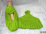 KNITTED Mary Jane lime green slippers size 6-7