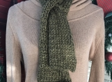 Women's Knitted Keyhole Scarf and Beanie Set - Olive Green