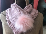 Women's Faux Fur Pom-Pom Closure  -  Quartz Pink