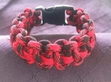 Paracord bracelet black and red camo