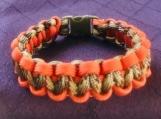 Paracord bracelet orange/olive camo