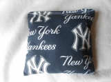 N Y Yankees  Corn hole Bags