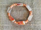 Coral-colored Natural Shell Stretch Bracelet