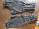 simple fingerless gloves