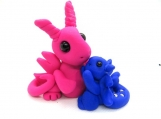 Mommy dragon with baby dragon