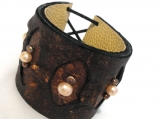Leather brown bracelet with freshwater pearls. Leather cuff
