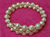 Beautiful Bracelet in genuine B freshwater pearls