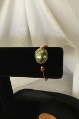 Stretch bracelet, delicate,Agate bead, gold tone spacers