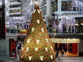 Toronto's Eaton Center Xmas Tree, Christmas 2011