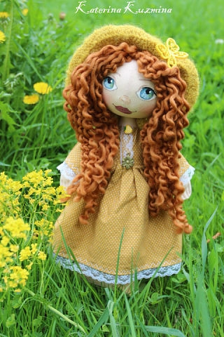 Girl in a yellow dress Doll, Katerinna Kuz'mina