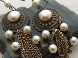 Pearl Girl earrings