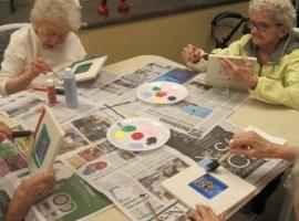 Seniors paint