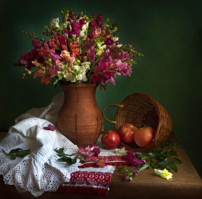 Oxana Saranova's flower photo.