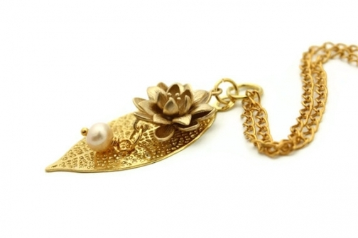 Lotus pendant necklace gold leaf birthday gift for her canada.