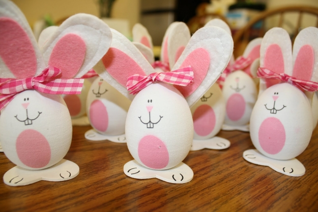Easter rabbit table decorations.