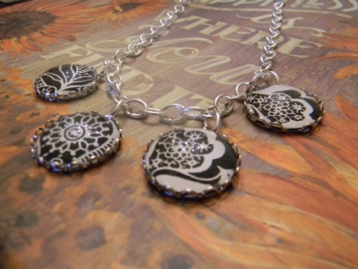 floral necklace in black and white