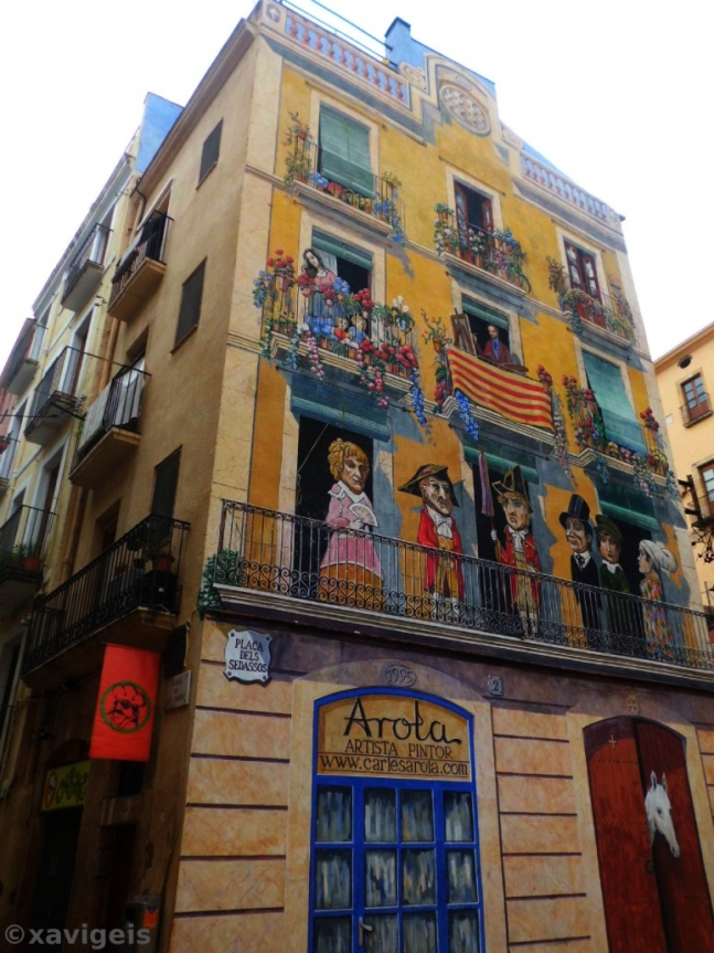 Painted house in Tarragona, Catalunya, Spain.