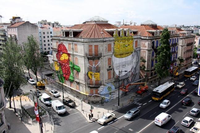 Wall art, Lisbon.